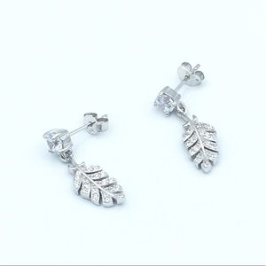 Jewelry - 🛍925 Sterling Silver Feather Dangling Earrings🛍